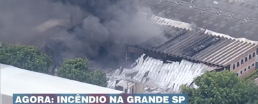 Incêndio destrói fábrica de isopor
