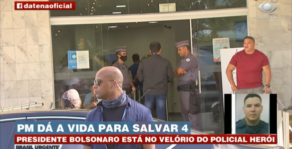 Bolsonaro participa de velório de PM